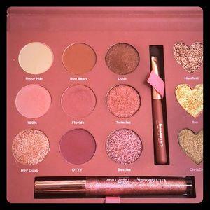 Ulta Beauty Bling On The Glam eye shadow palette